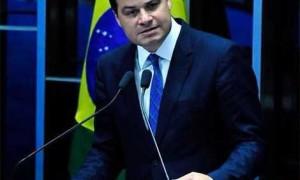 Sandro Alex votou pelo afastamento de Cunha, Dilma e Temer