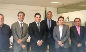 Sandro Alex e Paulo Balansin pleiteiam R$ 2,5 milhões para o Operário Ferroviário