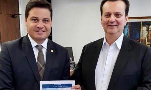 Sandro Alex anuncia R$ 10,4 milhões em cidades digitais
