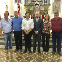 Rio Claro em Mallet com Prefeito Moacir, padre Anderson e o representante da TIM no santuário N.S. Do Rosario