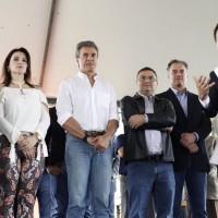 Prefeito Moacir de Castro, esposa, governador Beto Richa, Michele Caputo, Plauto e Arruda