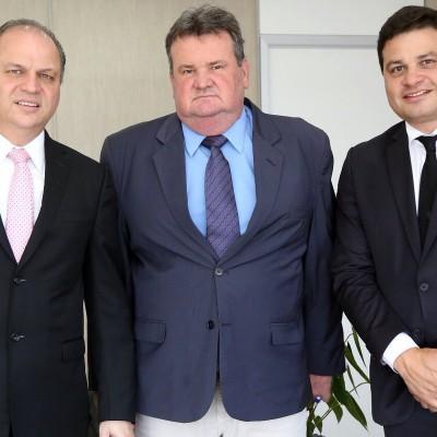 Ministro da Saúde Ricardo Barros e o prefeito de Mallet Moacir